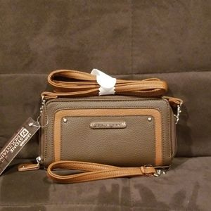 Stone Mountain Leather Wallet Wristlet